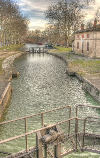 Vic Lock on the Canal du Midi