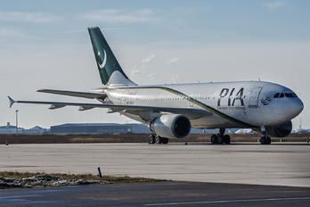 AP-BEQ - PIA - Pakistan International Airlines Airbus A310 photo (172 views)