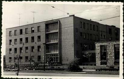 Állami Petőfi Sándor középiskolai fiúkollégium, Miskolc | Képeslapok | Hungaricana