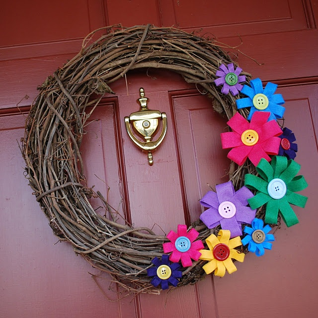 Spring wreath with felt flowers