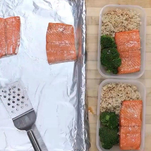 It's #mealprep Sunday inspiration time with this tasty @sizzlefishfit Meal Prep On Fleek video!! Chile Lime Baked Salmon Recipe: 1lb @Sizzlefishfit Coho Salmon 1 tbs Olive Oil 1 tsp Salt Lime Juice - from 3 limes Olive Oil 1/2 tbs Honey 1/2 tbs Salt p