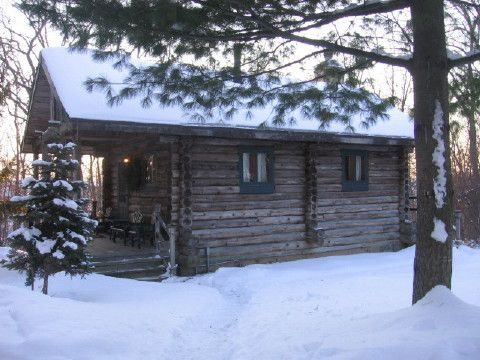 Walnut Ridge Log Cabin Rental   Wisconsin (near Galena, IL) Vacation Cabins  For
