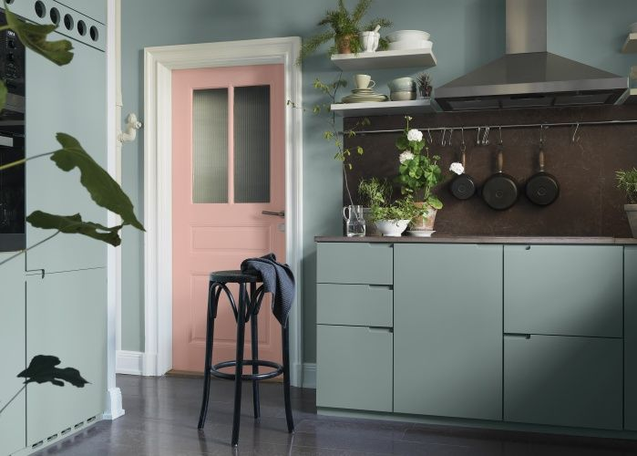 Dusty pink and mint green in the kitchen - COCO LAPINE DESIGNCOCO LAPINE DESIGN