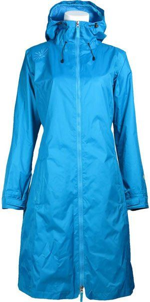 Long and flexible rain coat with a feminine cut. This waterproof coat is longer at the front to protect legs and knees in the best possible way. It is a little