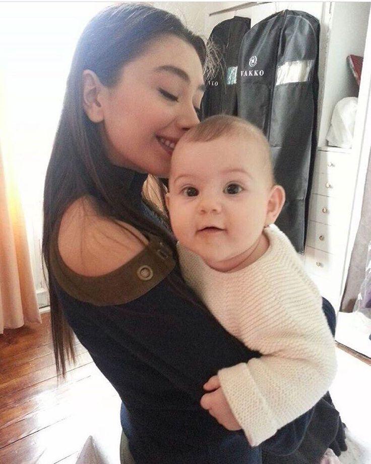 """Kara Sevda pe Instagram: """"#karasevda #nihankozcuoğlu #deniz @neslihanatagul @arvenberen #gunaydin"""""""