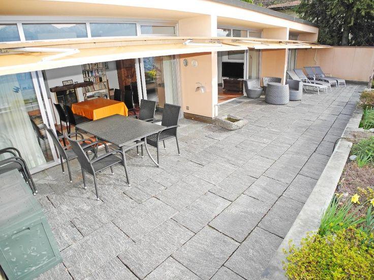Terrasse mit Garten in ruhiger Lage in der Schweiz. #Ferienwohnungen #Locarno