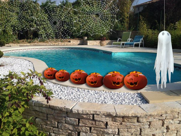 Ce soir c'est Halloween, Et vous comment allez vous décorer votre piscine Aquilus avant de l'hiverner ?