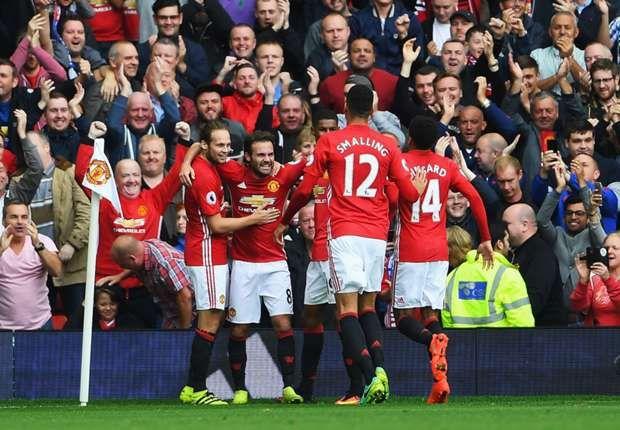 Prediksi Man United vs Stoke City 2 Oktober 2016
