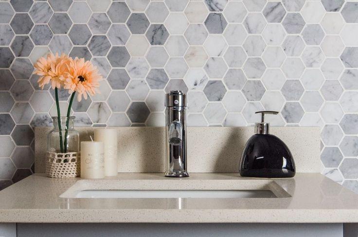"Bianco Carrara (Carrera) 2"" Hexagon Natural Stone Mosaic Backsplash Tile sale  #TileBuys"