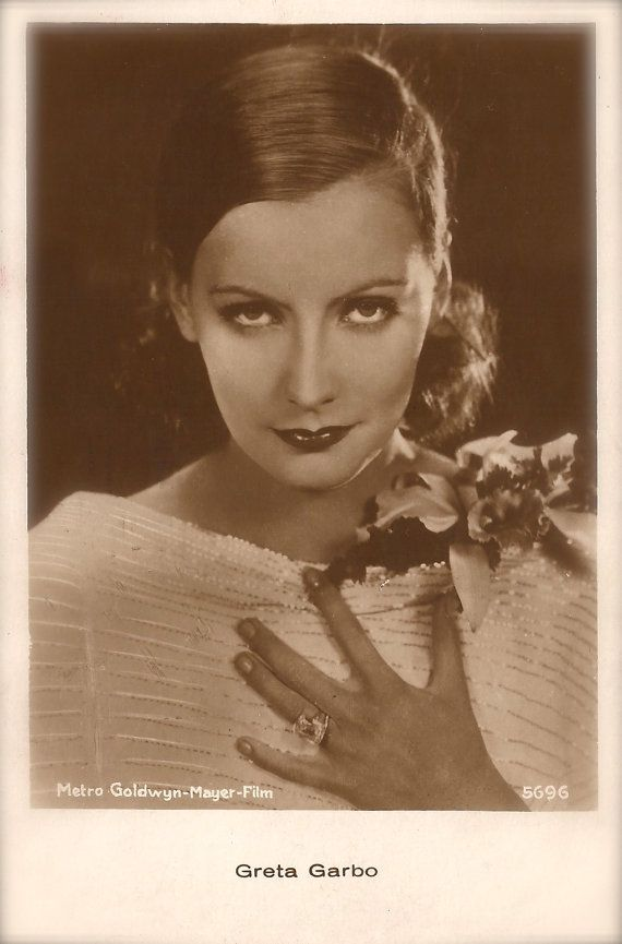 Greta Garbo, Famous Hollywood Swedish Actress Magnetic Presence Beauty Portrait Glamour Elegance Original Rare 1930s Art Deco Photo Postcard