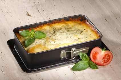 Lasagna with White Sauce – Lasagna with a twist, a white mozzarella cheese sauce.