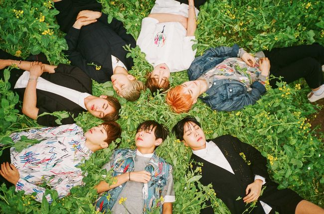Billboard - BTS Hit New Peaks on World, Heatseekers Albums Charts With 'The Most Beautiful Moment in Life'