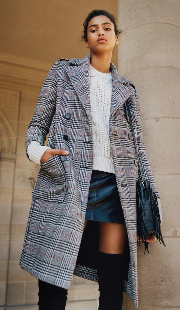 Manteau : british Manteau long à carreaux esprit militaire, Maje, modèle Gilbert, 78 % laine, 18 % polyamide, 4 % polyester, 450,00 €.