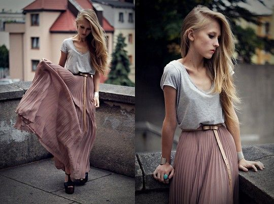 Chiffon maxi. (by Dominica Justyna) http://lookbook.nu/look/2047809-Asos-Maxi-Skirt-Jessica-Simpson-Shoes-Dany-H