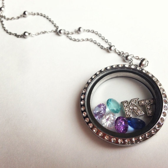 Beautiful large locket on necklace with 7 charms by LucysLocketss, $51.00