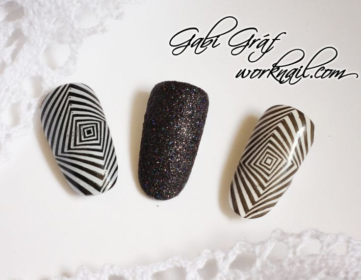 A lot of women like monochromatic. And what about you? This pattern make your appearance exciting.