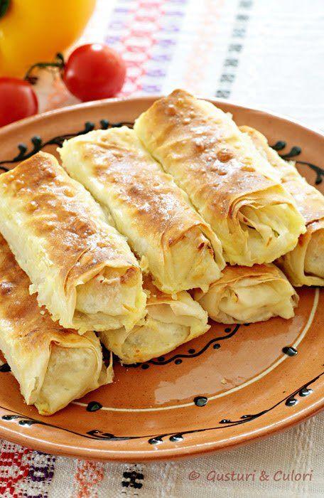 Aceste placintele rapid se fac si tot asa si se mananca :) Pentru a le realiza am folosit foi yufka, o specialitate turceasca. Are ceva asemanator cu lavasul dar e mult mai fina. Cativa ani in urm…