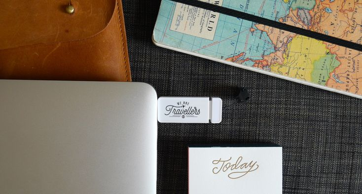 We are travellers reisgadgets | USB stick | travel gadgets | travel essentials