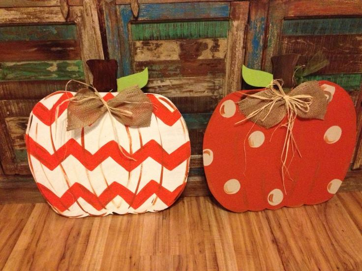 Wooden pumpkins! (The content page is currently unavailable but these pictures should give you a good idea how to make these pumpkins).