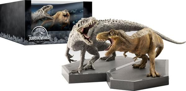 JURASSIC WORLD Limited Edition 3D Blu-ray with Dinosaur statues
