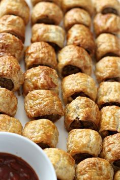 Donna Hay's Sausage Roll recipe should be in every cook's repertoire; they are easy to prepare, mega tasty and are perfect for entertaining guests. I served these last week at Bugsy's Birthday and they were a huge hit, with both the kids and adults. INGREDIENTS 1 kg sausage mince 2 eggs 2 cups breadcrumbs 1/3 cup …