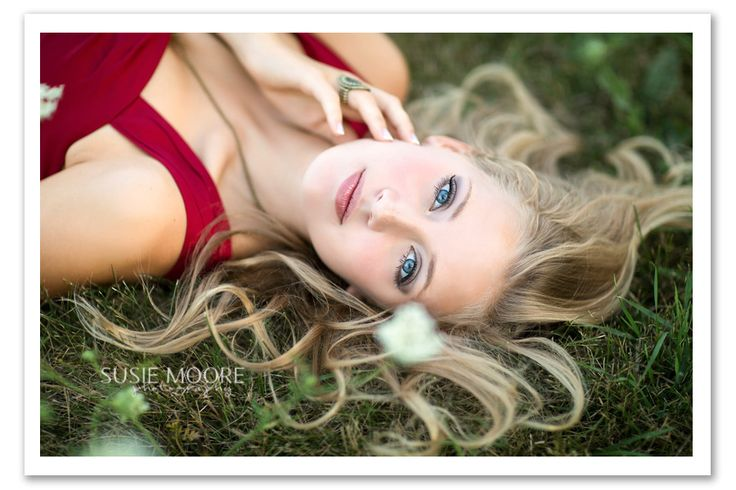 Susie Moore Photography | IL Senior Photographer