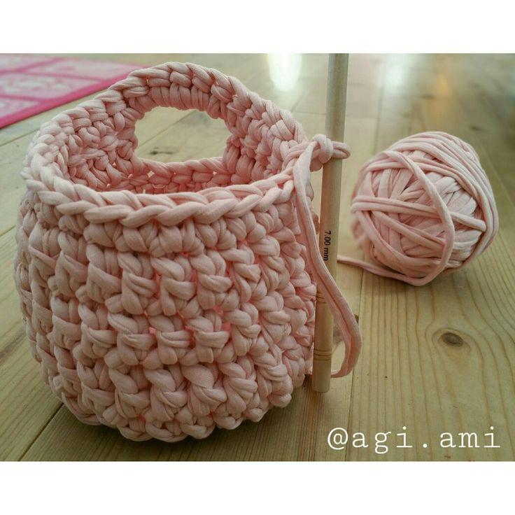 Koszyczek na spinki dla malej dziewczynki  #handmade #agiami #zpagetti #hoooked