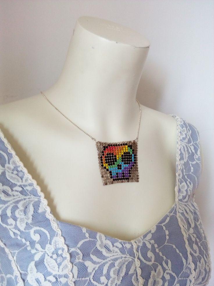"Collier geek recyclage de boucles d'oreilles en tissu métal ""Rainbow Skull"" : Collier par io-bulli"