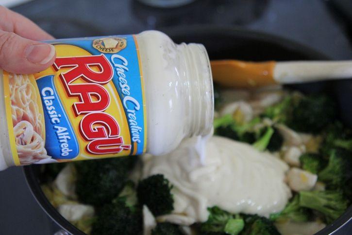 chicken broccoli alfredo orzo Ragu Classic Alfredo Sauce