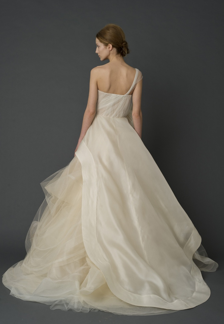 19 best vera wang bridal images on pinterest wedding for Best vera wang wedding dresses