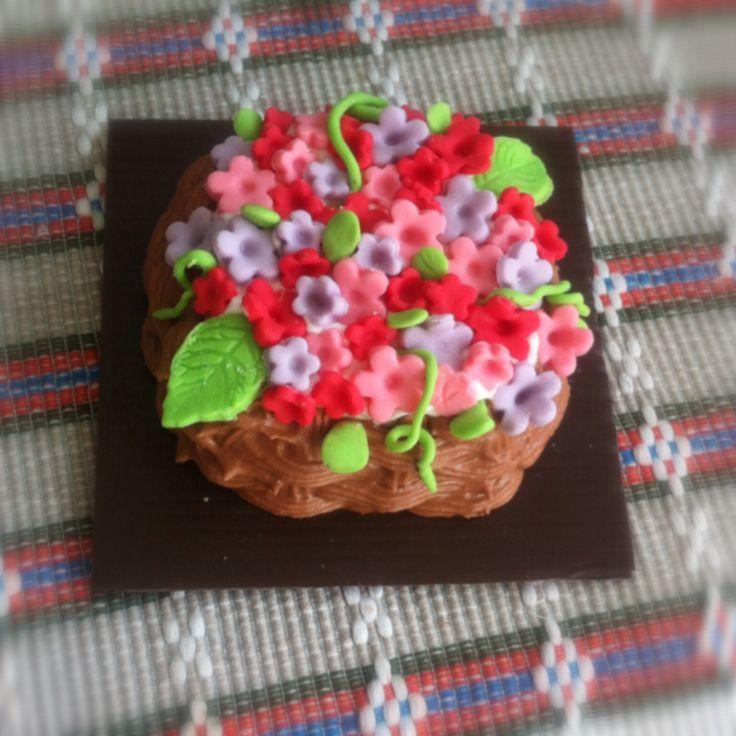 mock up cake. terbuat dari clay sebagai cake and then di cover menggunakan royal icing
