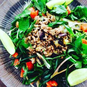 ベトナム風サマーライスサラダ+by+kayさん+|+レシピブログ+-+料理ブログのレシピ満載! 緑野菜たっぷりとした我が家の定番サマーライスサラダです。 ベトナム風肉そぼろを作って置けばアレンジ色々と使えます♪