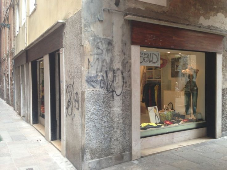 V abbigliamento, Castello 6031/a | Venezia tutta per me | Vivere e fare shopping a VeneziaVenezia tutta per me | Vivere e fare shopping a Venezia