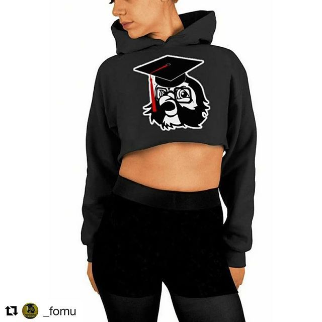 FOMU clothing, we working on the full line of gear.  2018 is weeks away. Online store. Pop up store. College tour. #hustle #buildyourbrand #fomu #shopify #customdesign #streetwear #fashion #collegelife #hustle #branding #brandmanagement #screenprinting #diy