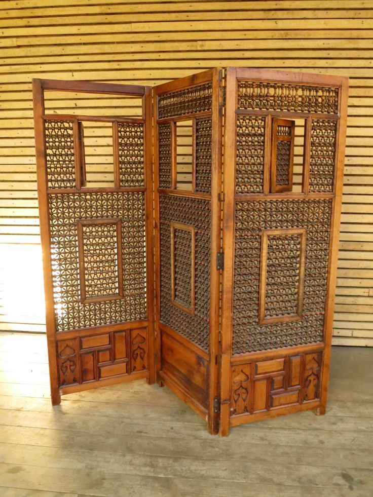 Asian folding screen - $40, 1 available