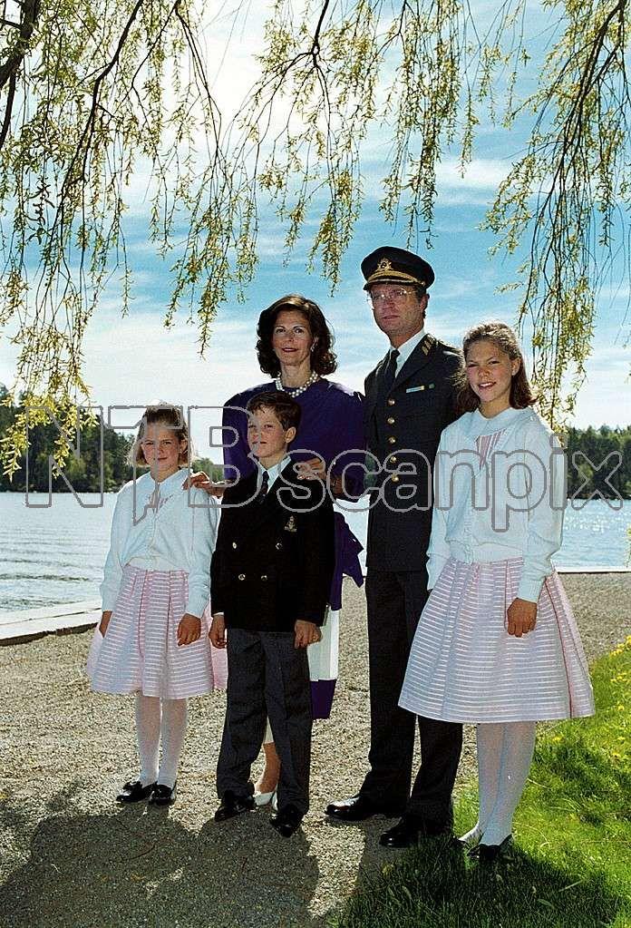 King Carl XVI Gustaf, queen Silvia, crown princess Victoria, prince Carl Philip, princess Madeleine, Drottningholm, 1989 Foto: Sydsvenskan / IBL Bildbyrå