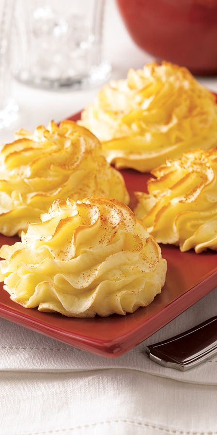 Duchess Potatoes An impressive side for entertaining that can be prepared ahead of time and baked at the last minute.    25 Days of Christmas