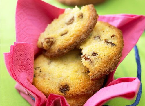 Vous allez adorer ces délicieux cookies ! Les ingrédients nécessaires pour préparer cette recette de cookies maison : un œuf, de la farine, du beurre doux, des raisins secs ...