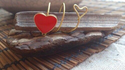 Δαχτυλίδι απο επιχρυσωμενο συρμα με κοκκινη καρδια