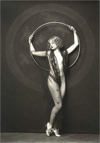 ❤ - Ziegfeld Follies -  Photo: Alfred Cheney Johnston