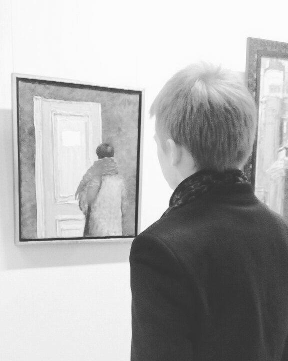 Сотый день я без сна словно во мне бездна. Моя муза слепа почему ты так зла?  #erarta #art #gallery #man #abstract #black #white #trouble #spb #beautiful #saintpetersburg #saturday #mood #work #inspiration #instadaily #photo #photooftheday #pic #stage #mrngstr #house