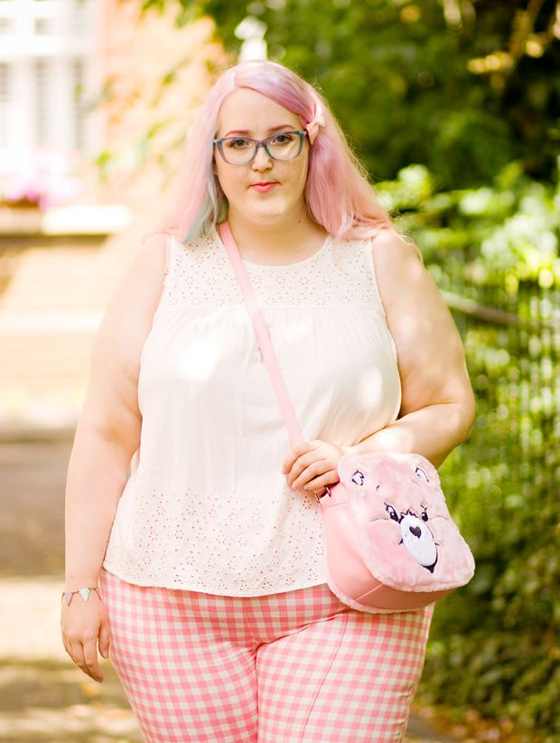 COLLECTIF BONNIE TROUSERS  // ASOS SHOES // IRON FIRST CAREBEAR BAG  // NEXT TOP // ASOS BUNTING BRACELET // PRIMARK BOW       I know, I...
