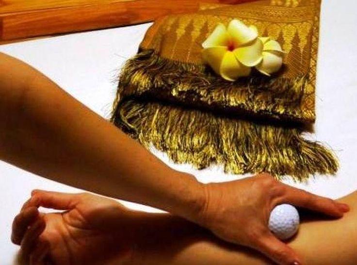 Elegantní masáž, kdy se uvolní Vaše ztuhlé svaly... :-)  http://www.impresio.eu/zazitek/golfova-masaz-golfovymi-micky