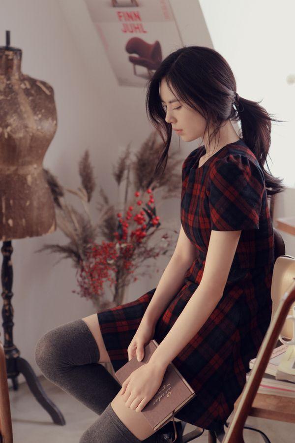 Korean fashion - tartan short sleeve dress with grey knee high socks