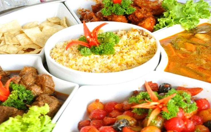 Catering Pernikahan Prasmanan Murah Surabaya & Sidoarjo. Kami menyediakan berbagai menu yang enak, varian, harga murah dan berbagai hal spesial untuk membuat acara anda lebih berkesan.