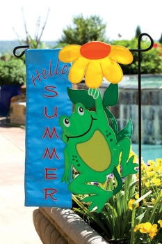 """Hello Summer"" frog flag from Evergreen."