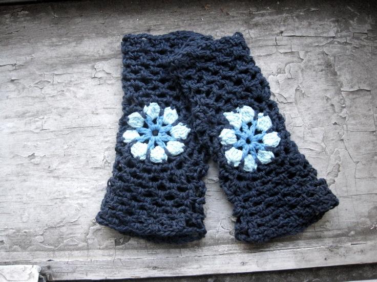 Flower Power Fingerless Gloves for Lounging or Rock Climbing - blues. #rokrok #etsy #etsyclimbersteam