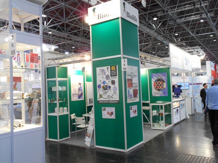 MEDICA - Messe Düsseldorf. BIOLIFE. Ricerca, analisi, promozione e comunicazione. Progettazione e realizzazione dell'allestimento dello stand. Photo by honegger