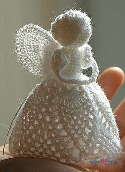 Elizabeth Pawelec knitted angels