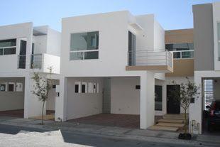 Fachadas minimalistas fachada minimalista con balcon al for Jardines modernos minimalistas
